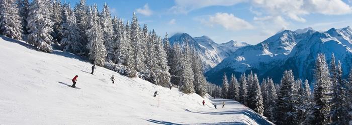 Skiferien in Tirol: 3 oder 4 Nächte im Designhotel McTirol mit Halbpension und 1-Tages Skipass um 189 Euro!