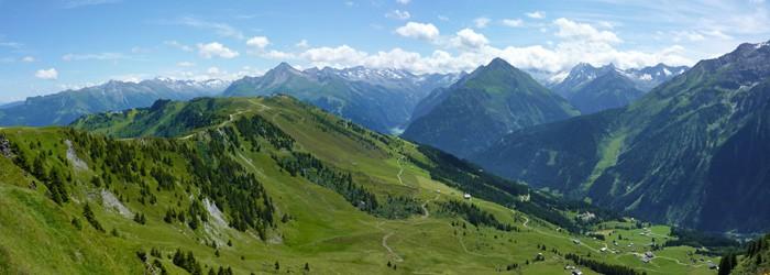 Südtirol (Santa Cristina): 3* Smart Hotel Saslong um 16,50 Euro pro Nacht / Person von September – Oktober 2013