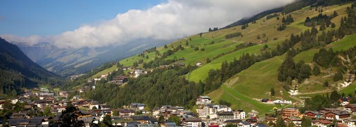 Alpiner Luxusfamilienurlaub in Saalbach-Hinterglemm: 4, 5 oder 7 Nächte im 5* Hotel in der Junior Suite Deluxe inkl. Vollpension + Wellness uvm. ab 534 Euro p.P. von August – Oktober