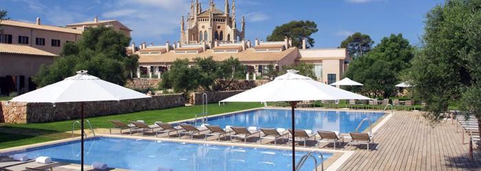Mallorca: 3 Nächte im 5* Hotel inkl. Frühstück + Flug + Mietwagen ab 444€ pro Person von Mai – Oktober