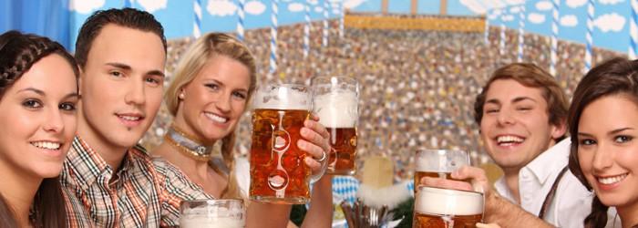 Oktoberfest München: 1-2 Nächte im Wies'n Camp inkl. Busfahrt nach München ab 32€ pro Person