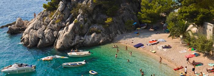 Kroatien (Brela): 5-7 Nächte im 3*Hotel inkl. Halbpension um 124€ von Mai – Juni 2016