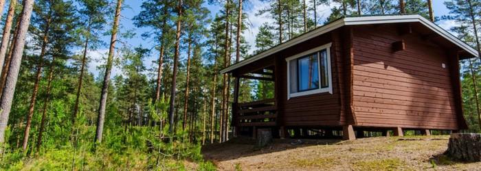 Idyllische Blockhütte in Finnland