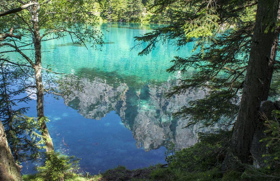 Grüner See Spiegelbild