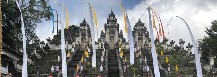 Bali Tempel und Paläste
