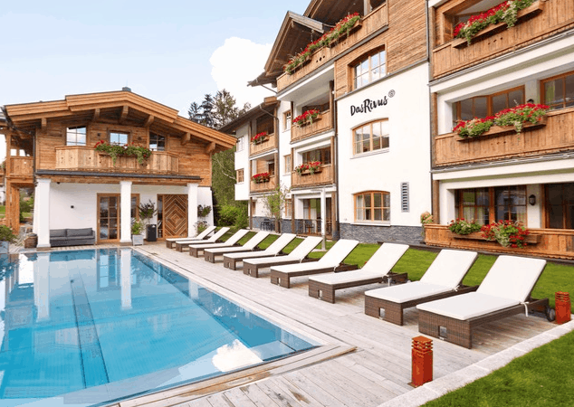 Das Rivus Nature Suites Aussenpool