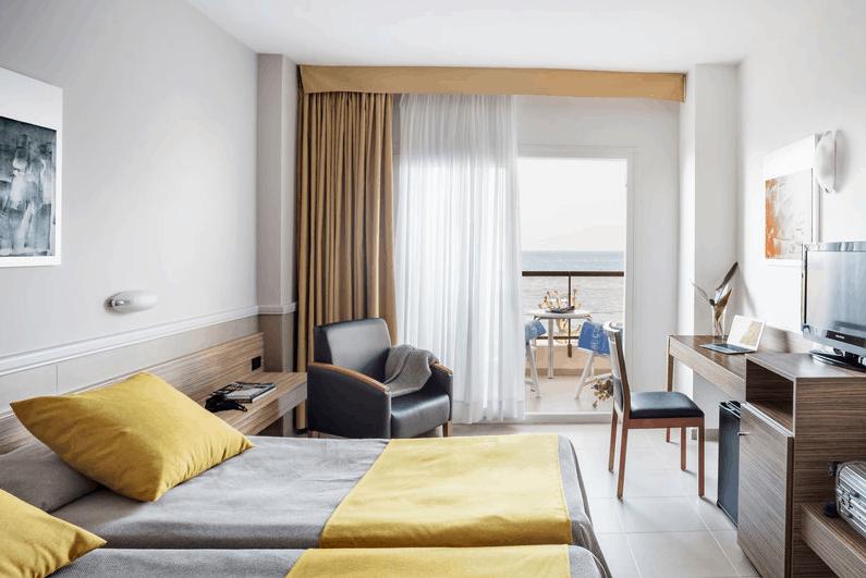 Costa Barcelona Zimmer