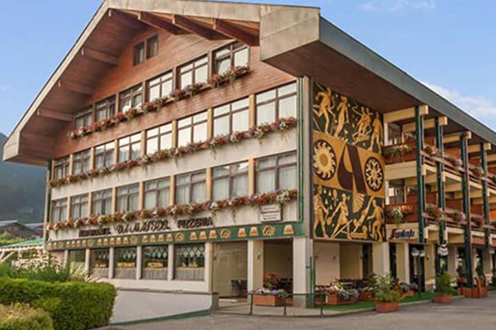 St. Johann Hotel