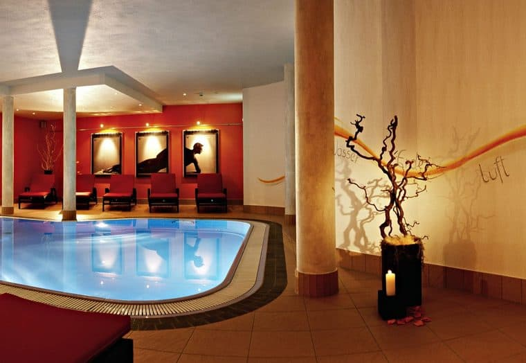 Hotel Alpina Resort Pool