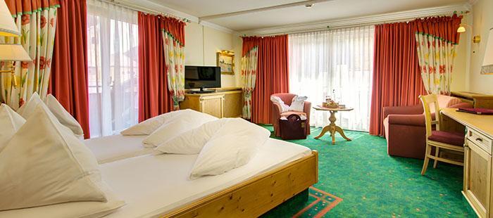 Hotel Bauer Saalbach Hinterglemm Zimmer