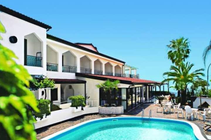 Kalabrien Rundreise Hotel